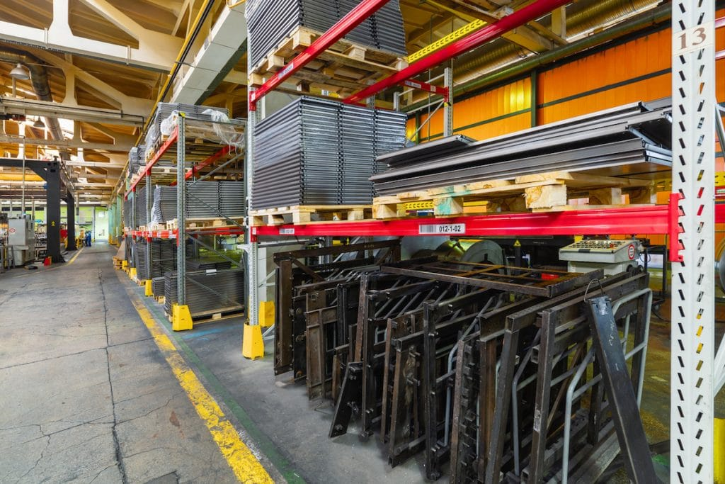 Steel Shelving is a great choice for businesses | Steel Shelving is the Top-of-the-Line | 360kc